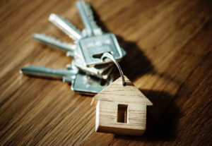 how to become an estate agent